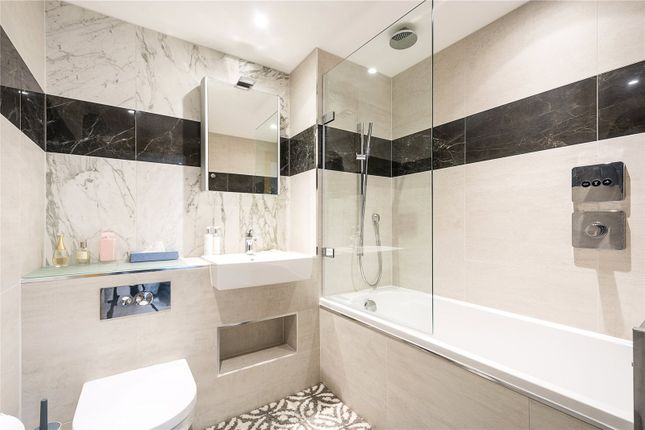 Bathroom of Paddington Exchange, 12 Hermitage Street, London W2