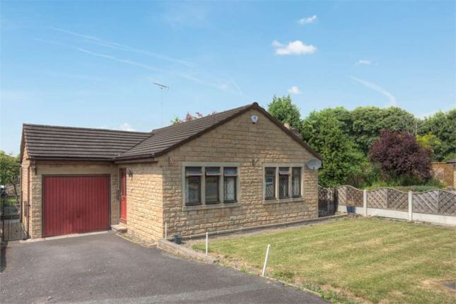 2 bed bungalow to rent in Lodge Farm Close, Dewsbury WF12