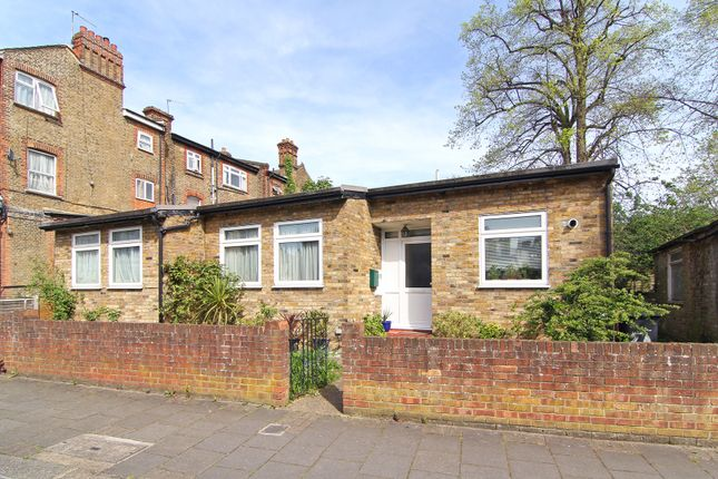 Thumbnail Bungalow to rent in Killieser Avenue, Streatham Hill