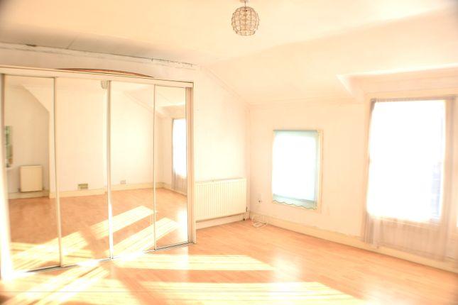 Thumbnail Room to rent in Staplehurst Road, Hither Green