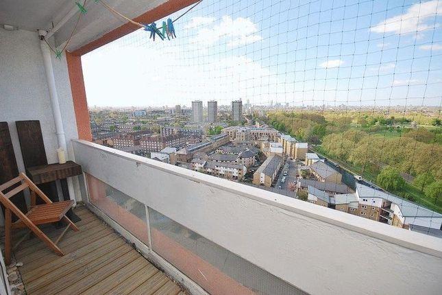 Thumbnail Flat for sale in Hawthorn Avenue, London