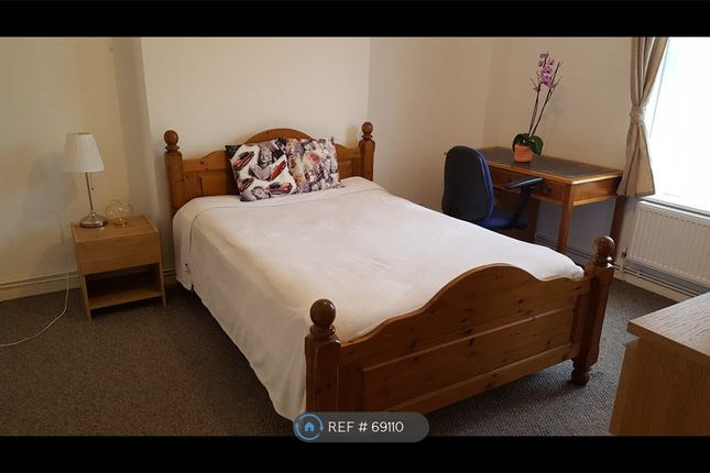 Bedroom of Radford House, London N7