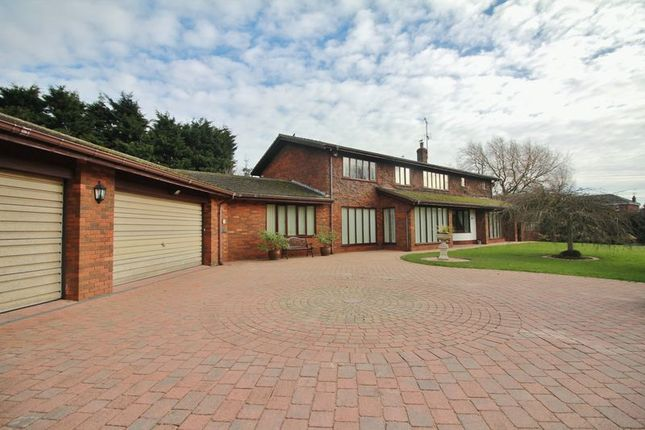 Thumbnail Detached house for sale in Moorland Road, Poulton-Le-Fylde