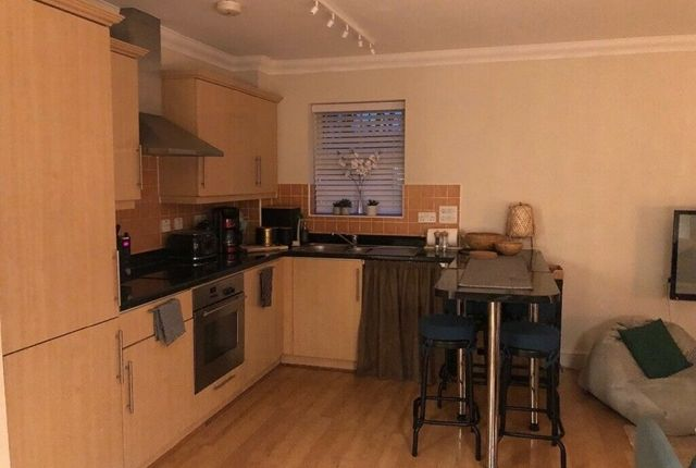 Thumbnail Flat to rent in St. Helen's Road, London
