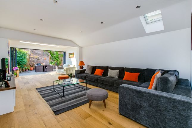 4 bed property for sale in Limburg Road, London