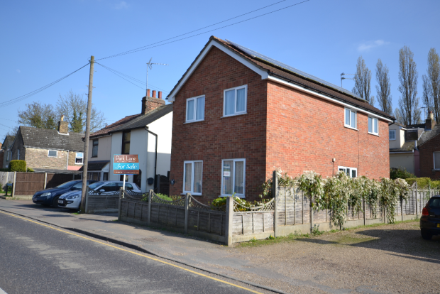Thumbnail Detached house for sale in Dunmow Road, Bishops Stortford