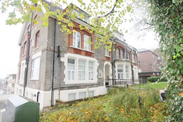 Thumbnail Flat to rent in Mountview Road, Crouch End/ Finsbury Park