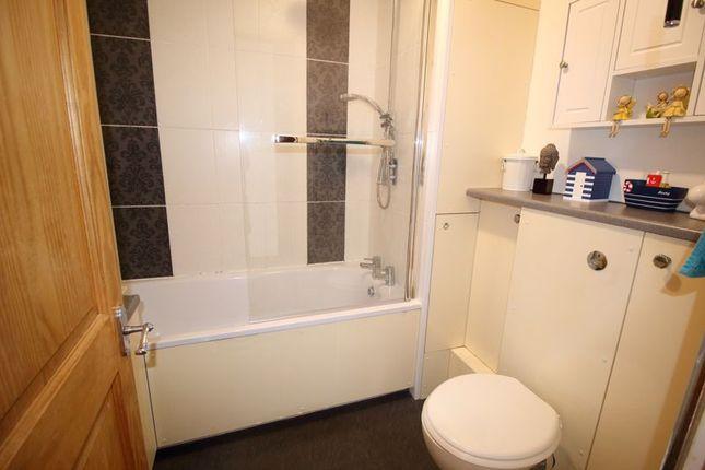 Bathroom of Coulsdon Road, Caterham CR3
