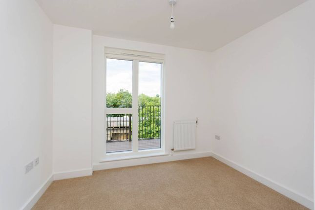Thumbnail Flat for sale in Ferdinand Court, Catford