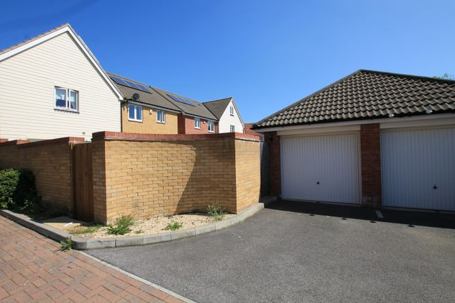 Garage of Mellowes Road, Hornchurch RM11