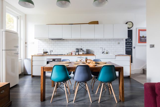 Thumbnail Duplex to rent in Amhurst Road, London