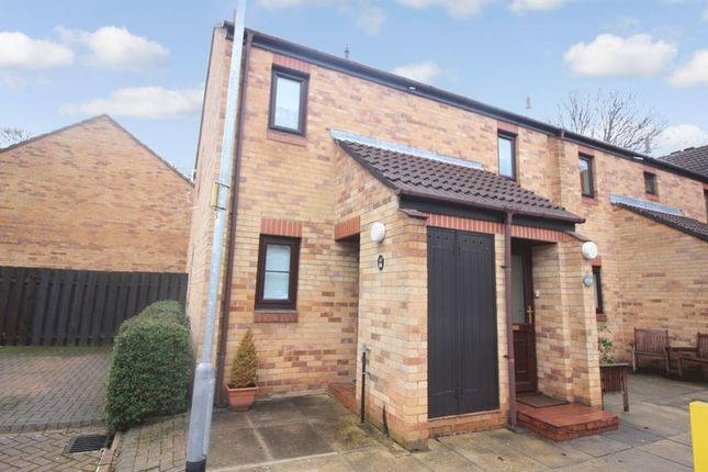 Thumbnail Flat for sale in Ireland Crescent, Leeds