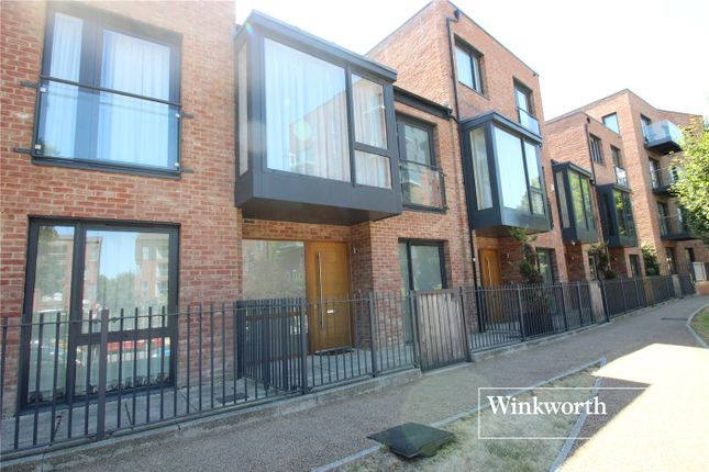 Thumbnail Town house to rent in Ruskin Parade, Edgware