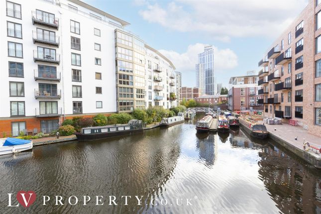2 bed property to rent in Canal Square, Edgbaston, Birmingham B16