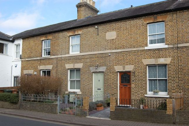 2 bed terraced house to rent in Church Street, Rickmansworth