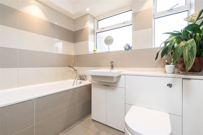 Bathroom of Edensor Gardens, London W4