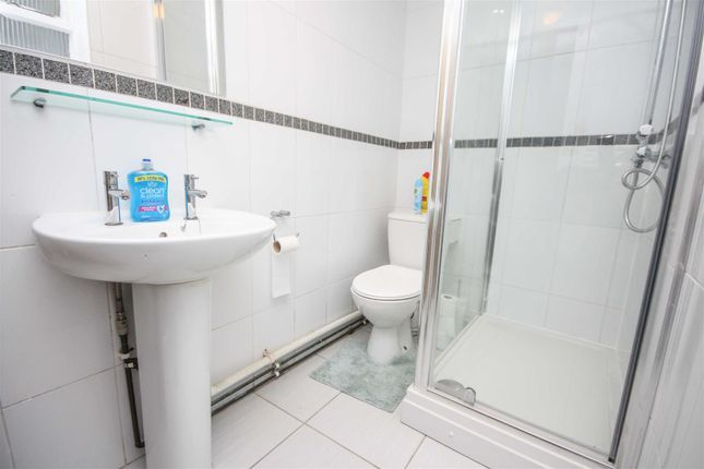 Bathroom of Moments From Beach, Ground Floor, Courtyard DT4