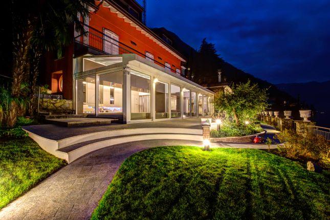 Thumbnail Villa for sale in Via Regina, Italy