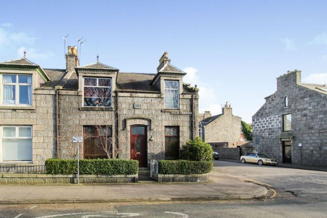 Thumbnail Flat for sale in Leslie Terrace, Aberdeen