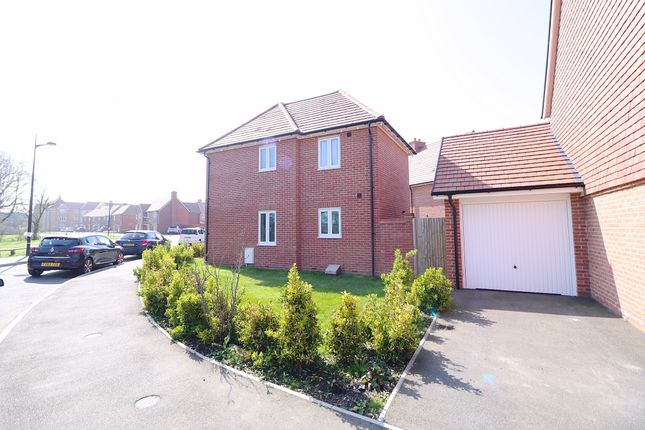 Thumbnail Detached house for sale in Highgrove Crescent, Polegate