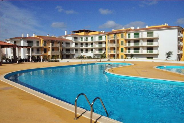 Thumbnail Apartment for sale in Vila Verde Resort General, Vila Verde Resort, Resale Properties, Sal