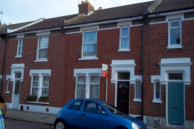 Thumbnail Semi-detached house to rent in Silchester Road, Baffins