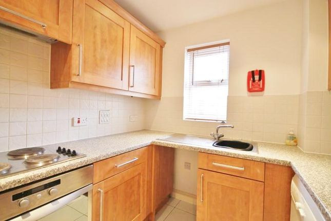 Thumbnail Flat to rent in International Way, Sunbury On Thames, Middlesex