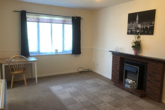 Thumbnail Flat to rent in Rembrandt Close, Cannock