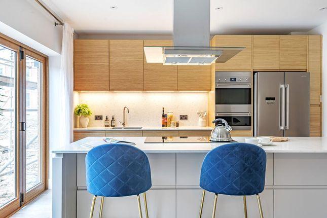 Kitchen of Victoria Avenue, London N3