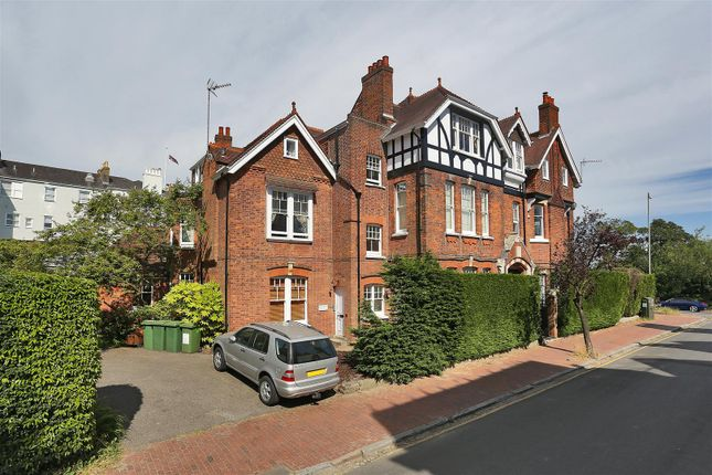 Thumbnail Flat for sale in Boyne Park, Tunbridge Wells