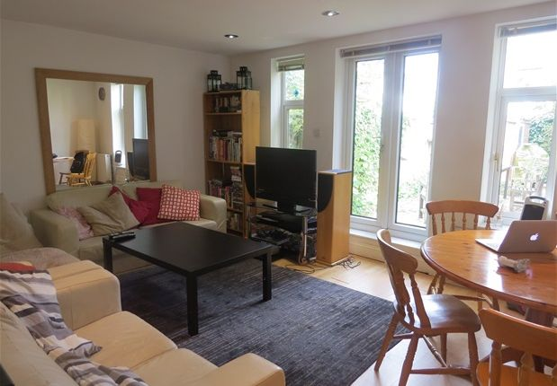 Thumbnail Flat to rent in Beechdale Road, London