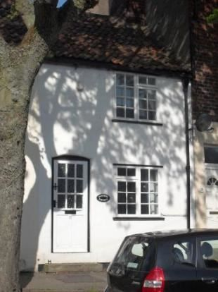 Thumbnail Cottage to rent in Scalby Road, Scarborough