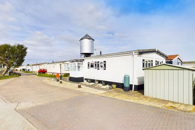 Mobile/park home for sale in Kingsmead Park, Allhallows, Rochester