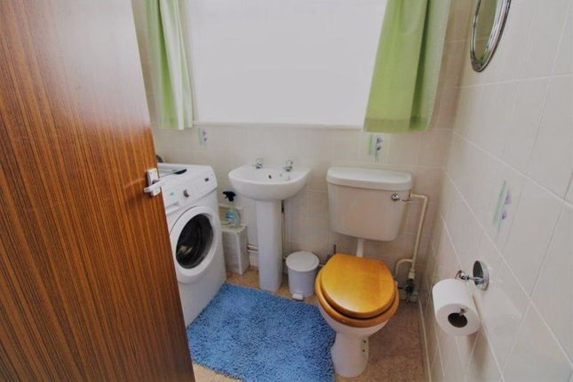 Bathroom of Alandale Drive, Kessingland, Lowestoft NR33