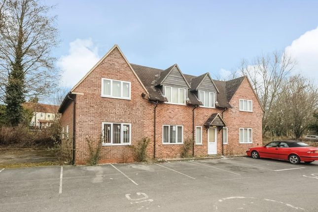 Thumbnail Detached house to rent in Lower Way, Thatcham