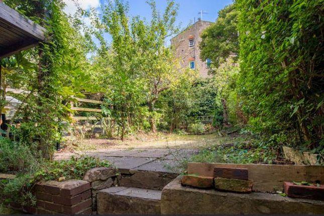 kingsgate road west hampstead london nw6 2 bedroom flat for sale 45889373 primelocation. Black Bedroom Furniture Sets. Home Design Ideas