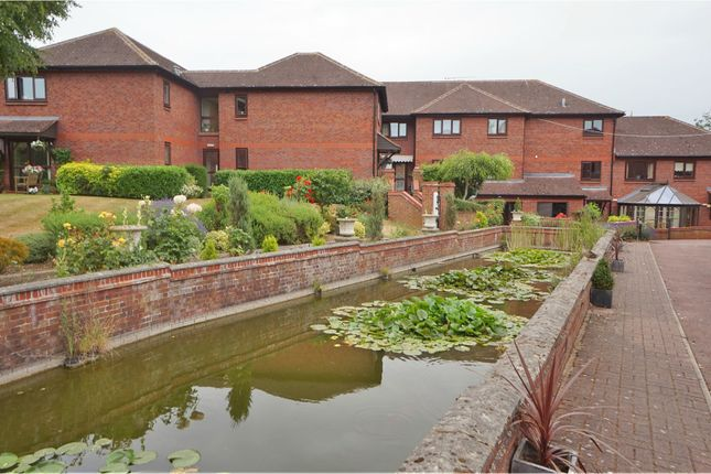 Thumbnail Property for sale in Pond Court, Hitchin