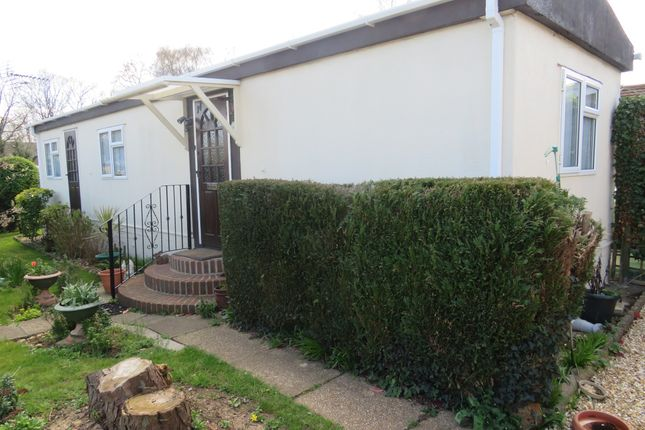 Thumbnail 2 bed mobile/park home for sale in Avondale Park, Colden Common, Winchester