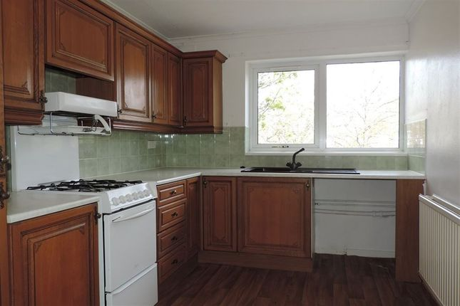 Thumbnail Maisonette to rent in Dresden Close, Corby