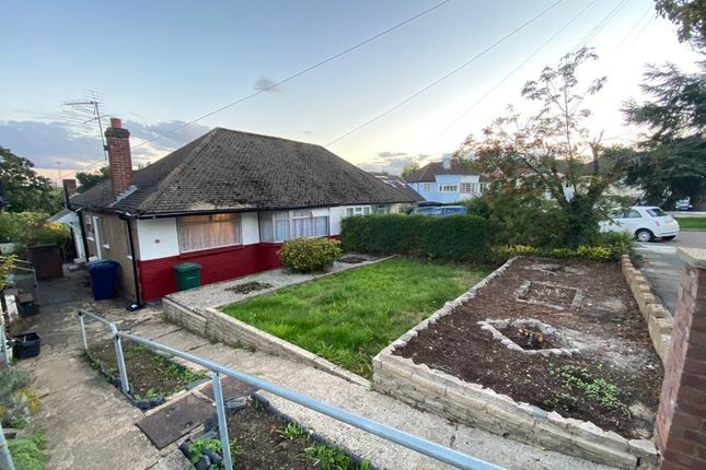 2 bed semi-detached bungalow to rent in Grants Close, Mill Hill, London NW7