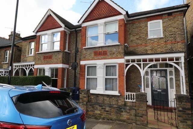 Property for sale in Kingsley Avenue, Ealing