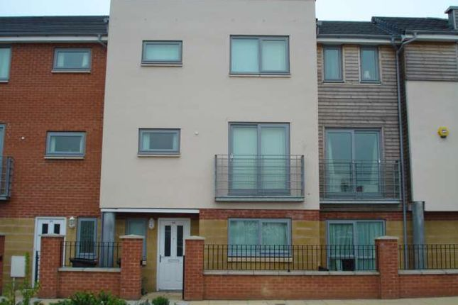 Thumbnail Town house to rent in Falconwood Way, Beswick, Manchester