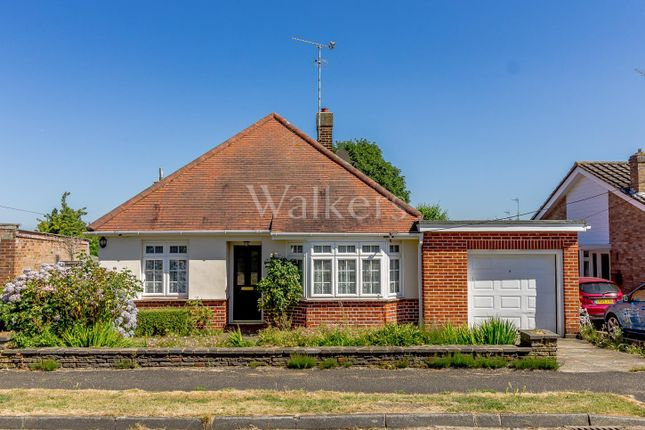 Thumbnail Detached bungalow for sale in Delta Road, Hutton, Brentwood