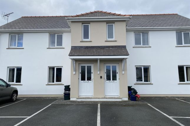 Thumbnail Flat to rent in Hall Park Close, Haverfordwest