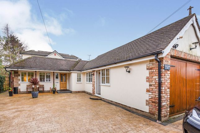 Thumbnail Bungalow for sale in Pink Lane, Burnham, Slough