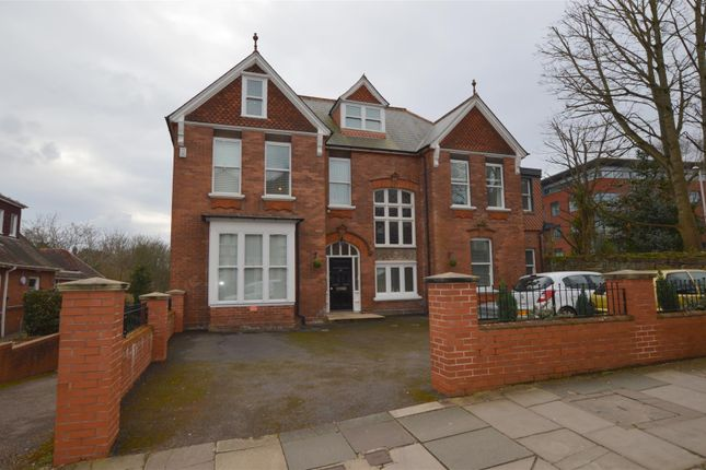 Thumbnail Flat to rent in Barnfield Road, Exeter