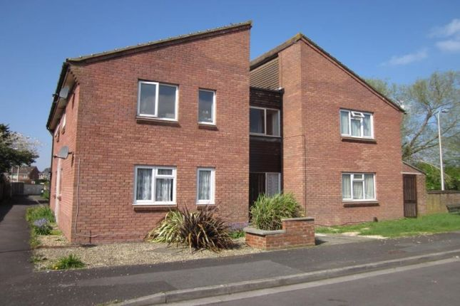 Thumbnail Flat to rent in Corner Croft, Clevedon