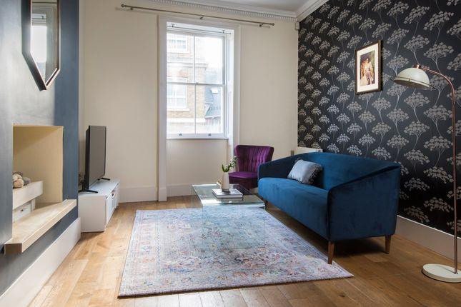 Flat to rent in Hertford Street, London