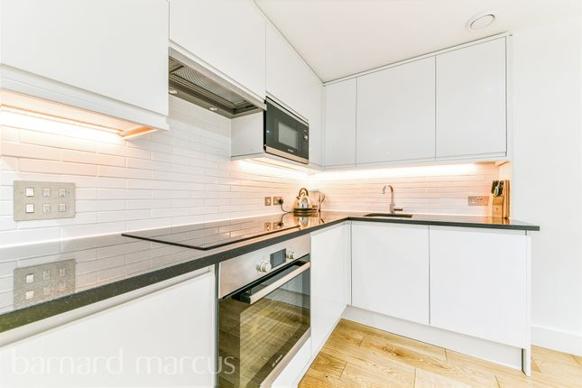 Thumbnail Flat for sale in Sutton Court Road, Sutton