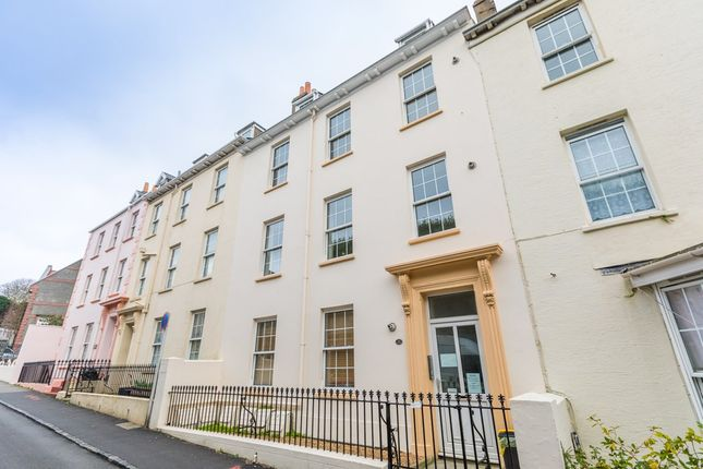 Thumbnail Flat for sale in Vauvert, St. Peter Port, Guernsey